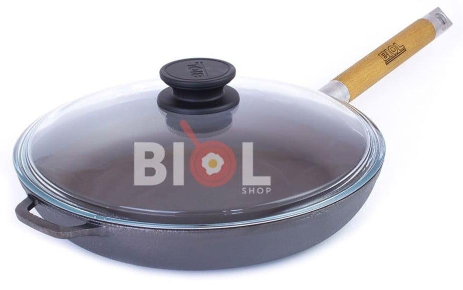 Низкая чугунная сковорода со съемной ручкой и стеклянной крышкой Биол 24 см