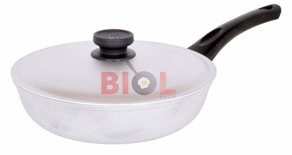 Сковорода алюминиевая рифленая 20 см Биол с крышкой купить недорого