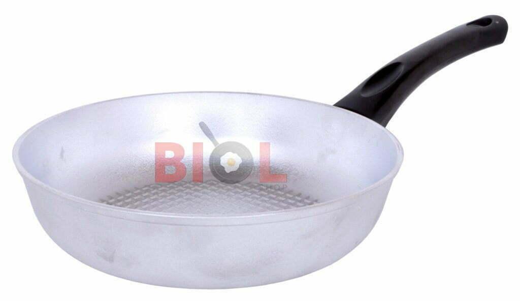 Сковорода алюминиевая рифленая 20 см Биол с крышкой отзывы и цена