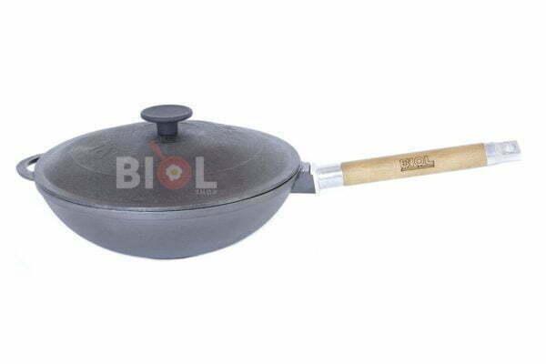 Сковорода WOK с ручкой и крышкой чугунная 24 см Биол низкая цена на сайте