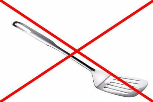 Можно ли использовать металлические лопатки для тефлоновой посуды