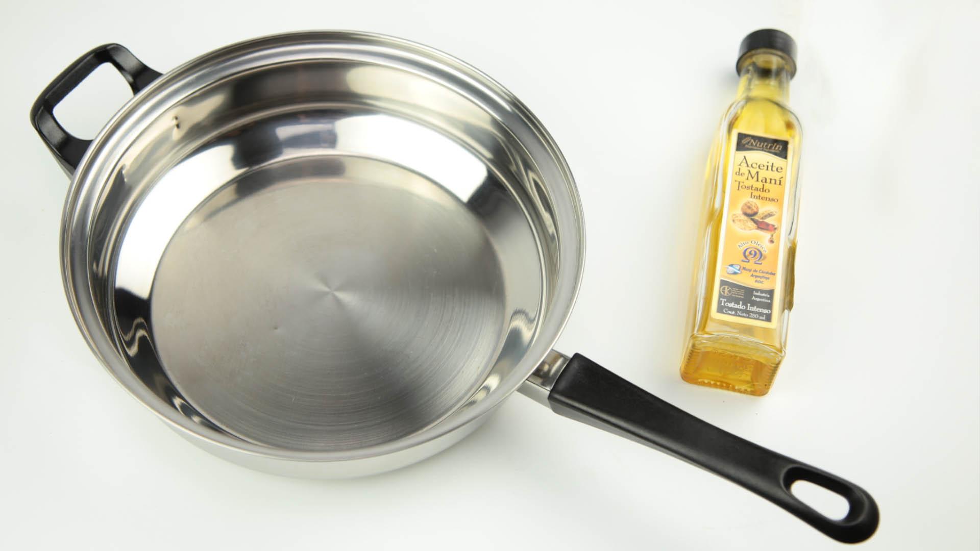 Прилипает сковородка что делать - как избежать пригорания