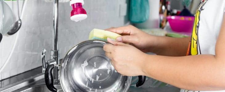 Как правильно чистить кастрюли от накипи