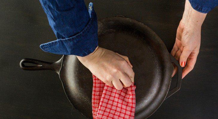 Уход за чугунной посудой