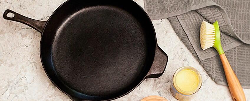 Первый уход за чугунной сковородой - правильная подготовка