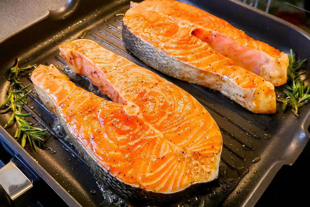 Стейк рыбы на сковороде гриль – пошаговый рецепт