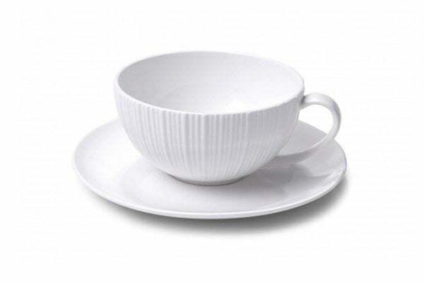 Чашка с блюдцем Fissman Elegance White 250 мл SC-9383.250