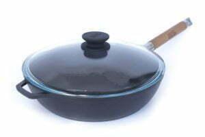 Чугунные матовые сковороды со стеклянной крышкой