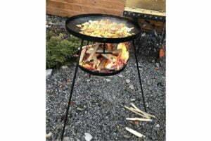 Сковорода с подставкой для огня из диска 50 см с цельными ножками