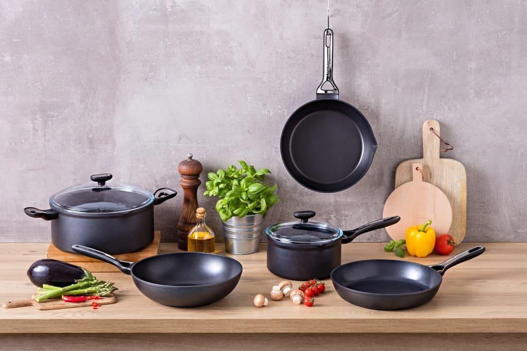 Лучшая антипригарная посуда для дома – ТОП 7